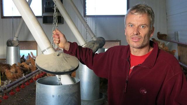 Biopouletmäster Laurent Godel aus Domdidier im freiburgischen Broyebezirk