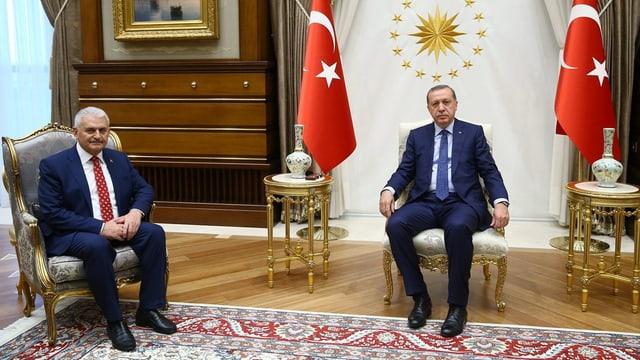 Yildirim ed Erdogan sesan ensemen en ina stanza.