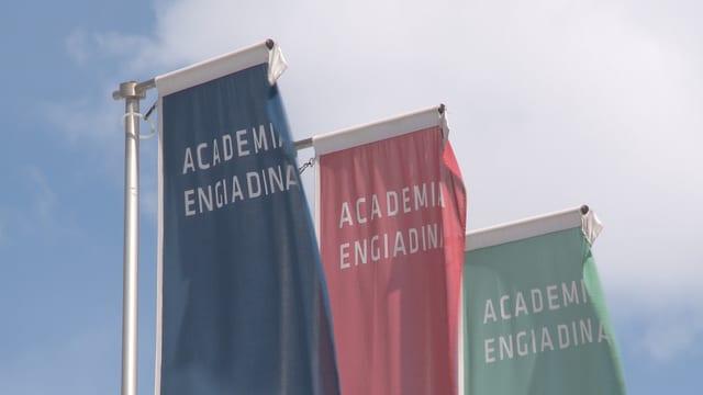 Bandieras da l'Academia Engiadina
