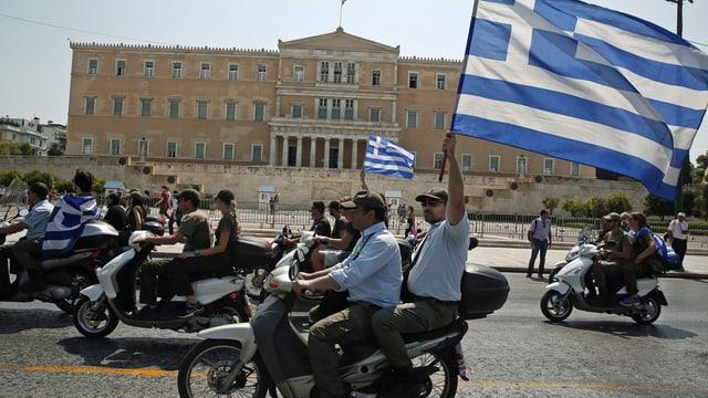 Polizisten auf Motorrädern