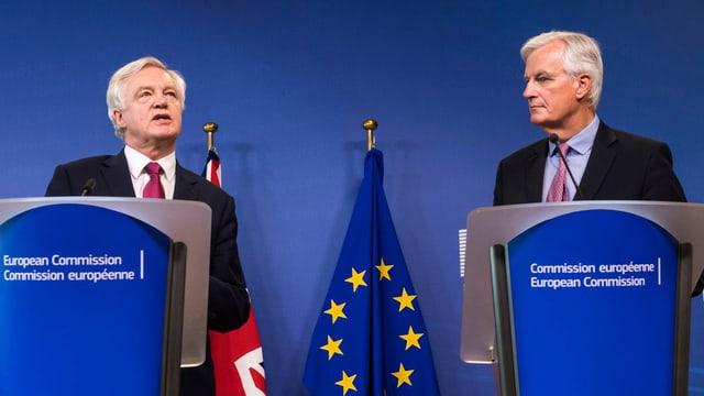 David Davis (Gronda Britannia) e Michel Barnier (UE) curt avant las emprimas tractativas da Brexit a Brüssel.