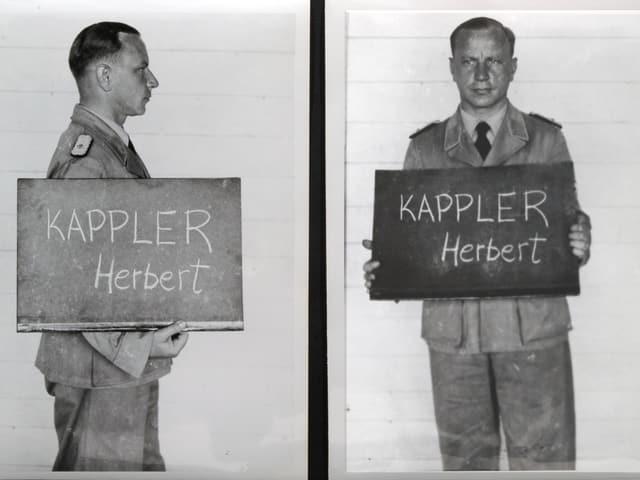 Mann mit Schild in der Hand auf dem sein Name steht.