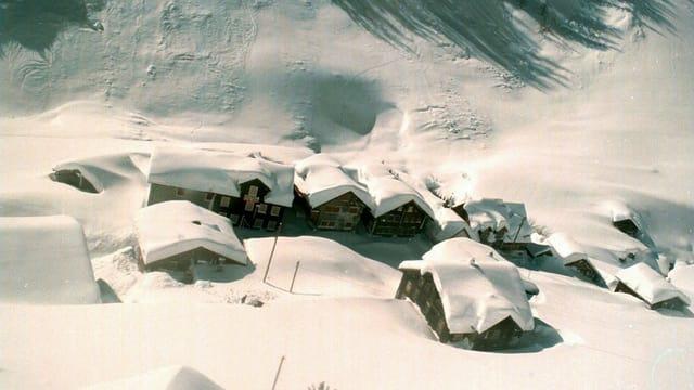 Das Meiental liegt unter einer dicken Schneedecke.