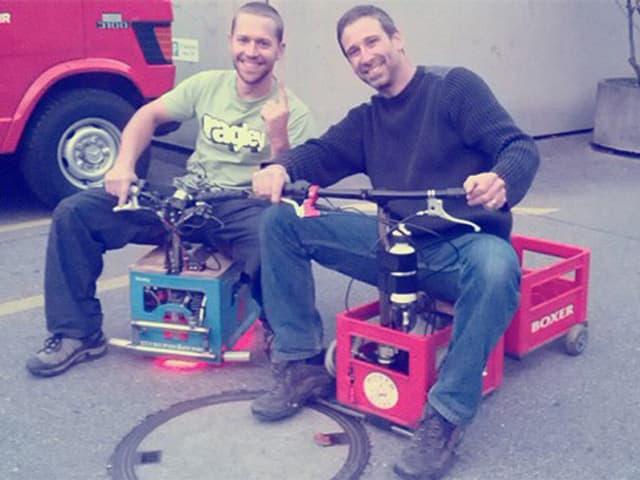 Bierkistenrennfahrer der ersten Stunde: Nicola Brändli und Marko Ristic.