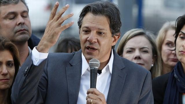 Politicher brasilian.