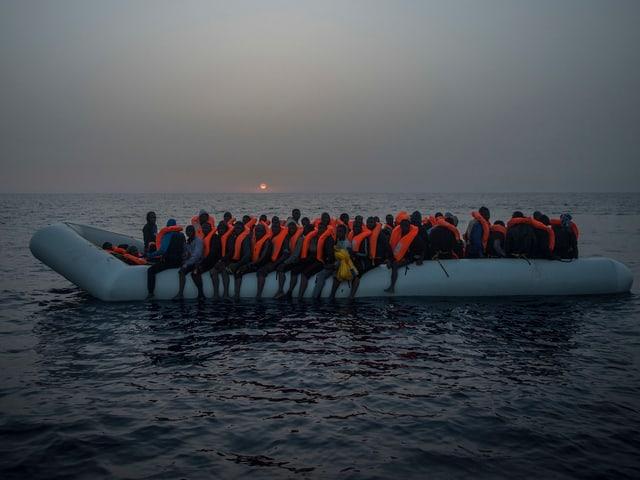Bootsmigranten im Mittelmeer.