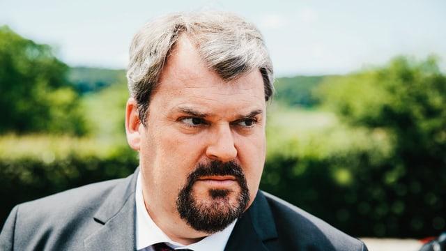 Mike müller als Luc Conrad
