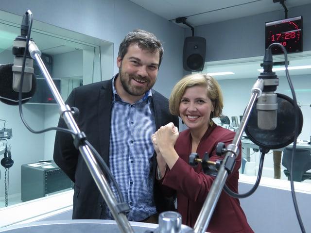Im Studio stehen Melanie Mettler (GLP) und der Jungfreisinnige Thomas Berger (rechts).
