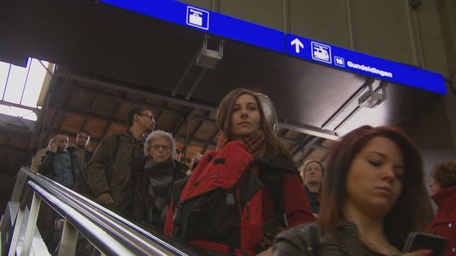 Video «Effizienter durch Bahnhöfe, Fussgängerstau, Lug im Film» abspielen