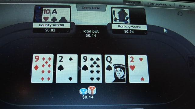 Ausgebreitete Poker-Karten in einem Internetspiel.