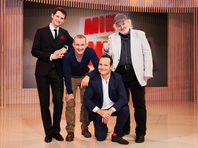 Moderator Fabian Unteregger und die Komiker Simon Enzler, Claudio Zuccolini und Peach Weber.