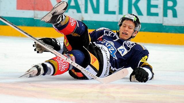 Björn Christen muss sich für die Playoffs fitspritzen lassen.