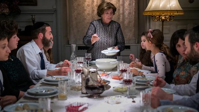 Eine jüdische Familie beim Abendessen