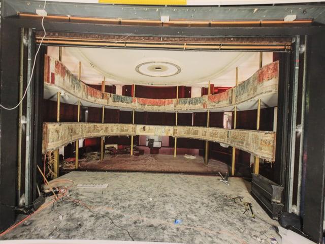 Foto des Stadttheaters Solothurn zu Beginn der Restaurationsarbeiten.