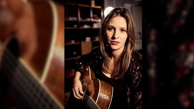 Martina Linn, ina da las musicistas che suna en la Canorta.