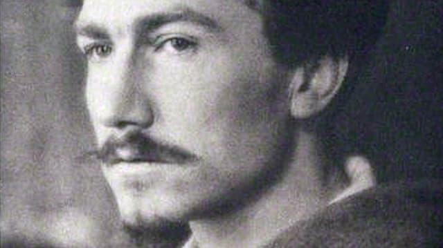Schwarzweissaufnahme des Schriftstellers Ezra Pound.