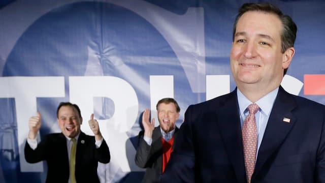 Ted Cruz discurra al pult.