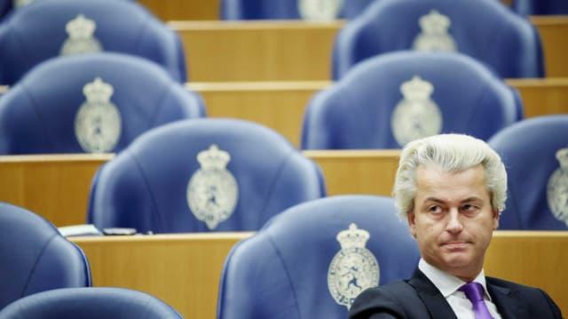 Geert Wilders in den Sitzreihen des niederländischen Parlaments.