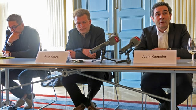 (vlnr) Marc Lüthi (SCB), Gemeinderat Reto Nause, Alain Kappeler (YB/Stade de Suisse).