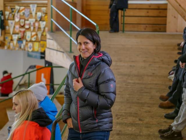 Ulrike Hörler durant in eveniment en la halla da glatsch.