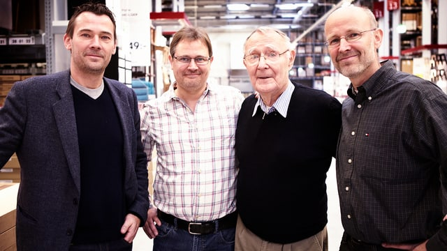 Ingvar Kamprad mit seinen Söhnen Jonas, Mathias und Peter.