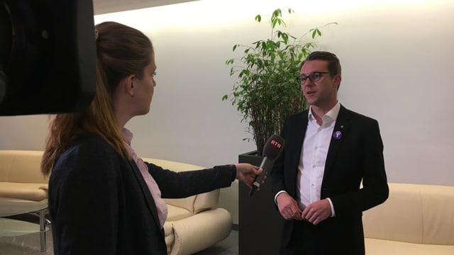 Maletg durant l'intervista cun Philipp Wilhelm
