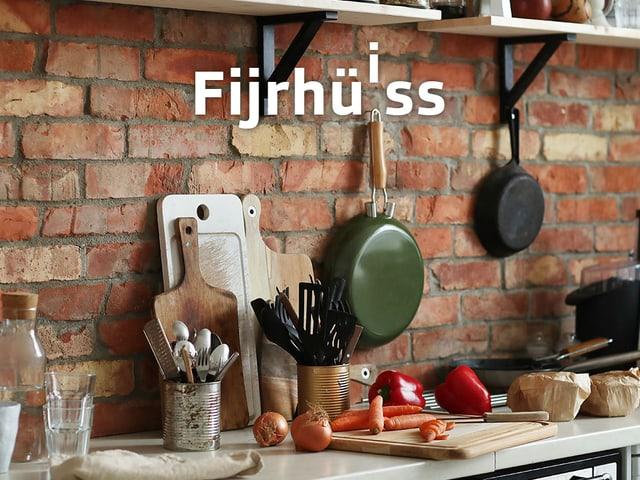 Küche mit Pfannen