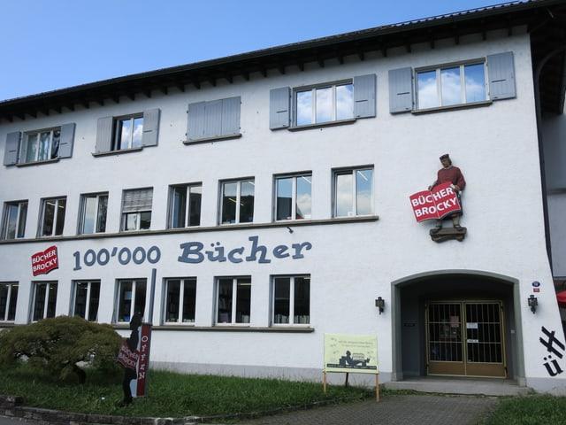 Das Bücher-Brocky in Littau von aussen.