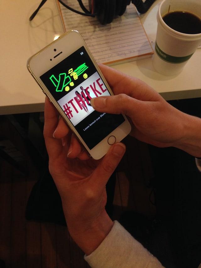 Bild mit iphone und Snapchat-News
