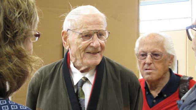 Zwei Männer, die als Kinder im Erziehungsheim Gabeldingen lebten.