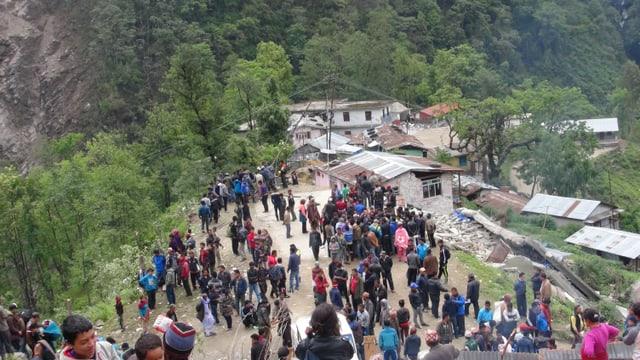 Tausende Menschen leiden Not: Erdbeben in Nepal