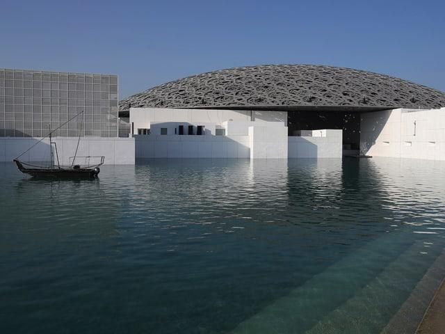 Der Louvre Abu Dhabi ist das erste Museum mit universellem Anspruch in der arabischen Welt.