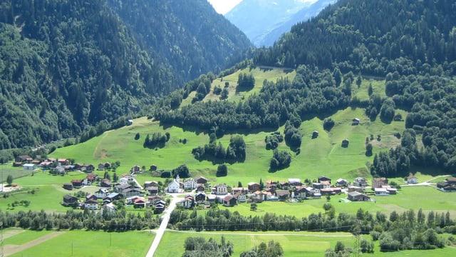 Das Dorf Surrein