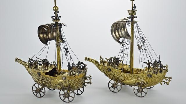 Zwei Silberschiffe