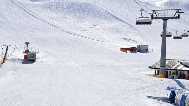 ina pista da skis, a dretga ina pitga d'ina sutgera