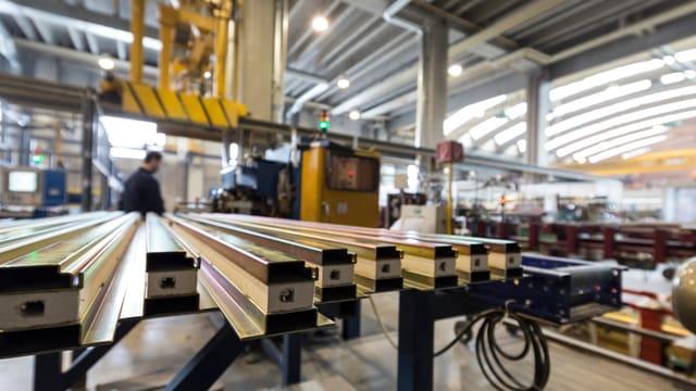 Produktion von Profilsystemen bei Arbonia Forster in Arbon.