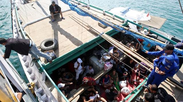 Flüchtlinge in Boot.
