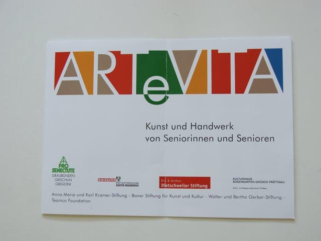 Künstlerischer Schriftzug mit Bunten Farben.