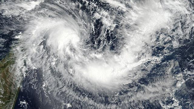 Satellitenbild des Wirbelsturms