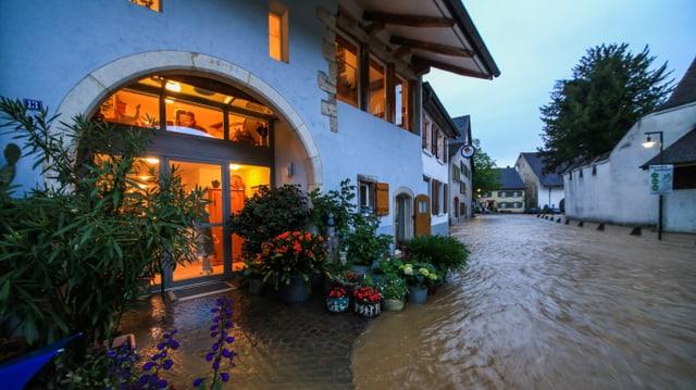 Am Samstagabend führten neue Gewitter in Muttenz zu Überschwemmungen.