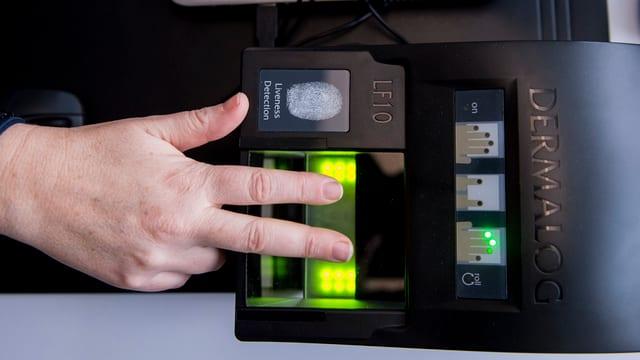 Erste Erfahrungen mit den neuen Fingerabdruck-Scannern verliefen positiv.