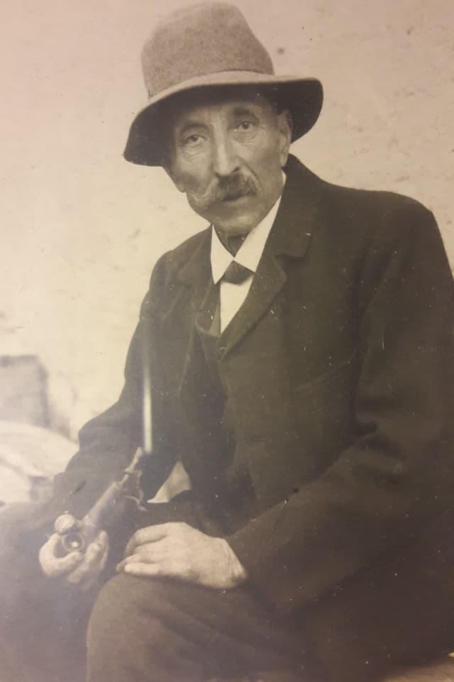 Hans Dolf, bab da Georg Dolf