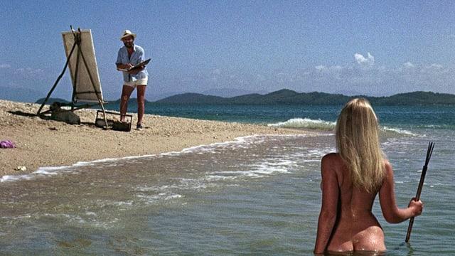 Nackte Frau von hinten im Wasser posiert für Kunstmaler.