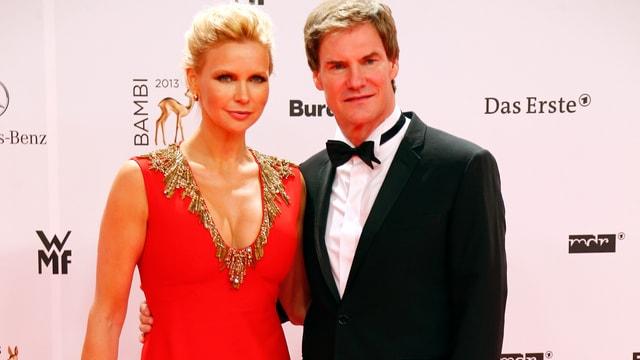 Schauspielerin Veronica Ferres an einer Filmpremiere zusammen mit ihrem Partner.