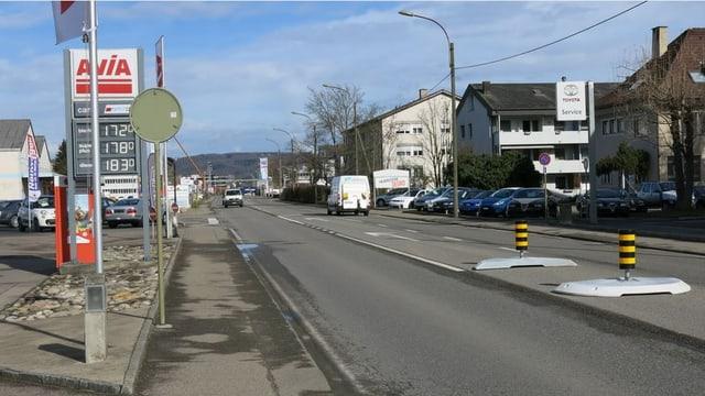 Rheinstrasse zwischen Liestal und Frenkendorf.