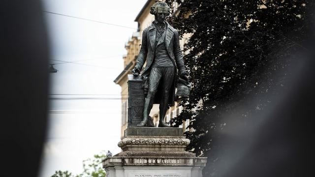 Statue von Davud de Pury