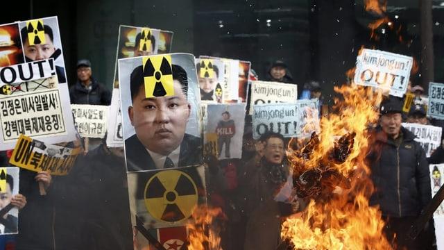 Portraits da Kim Jong Un vegnan ars.