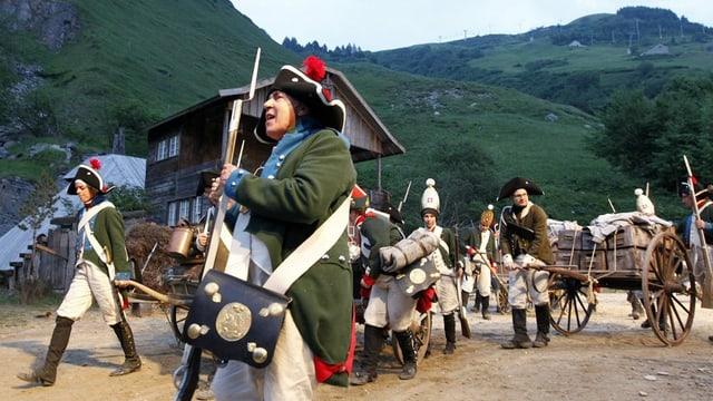 Soldaten im Freilichttheater Suworow Andermatt