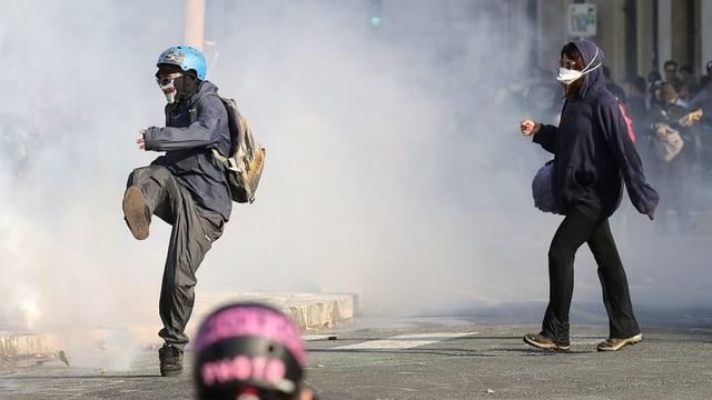 Ausschreitungen mit Tränengas.