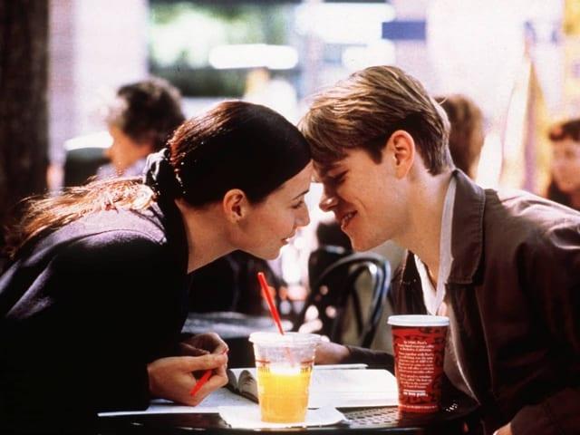 Damon küsst seine Film-Fruendin